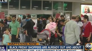 Shoppers enjoying deals on Thanksgiving in Phoenix - Video