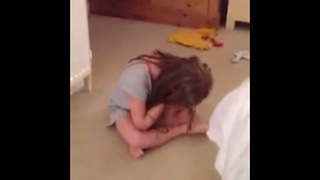 Little girl reacts to Zayn Malik leaving One Direction - Video