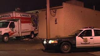 U-Haul truck used in smash and grab - Video