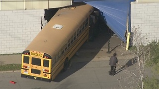 School bus crashes into building on Detroit's west side - Video