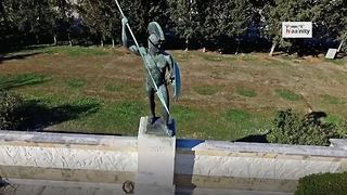 Drone footage where Battle of Thermopylae occurred for 300 Spartans - Video