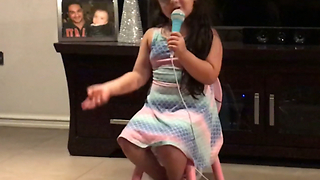 Adorable 5-year-old girl sings cute song about loving her parents