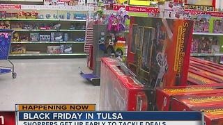 People shop early for great deals on Black Friday - Video