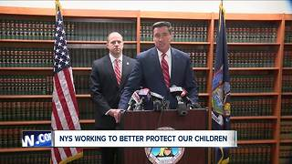 Pushing for new laws to protect kids from child abusers - Video
