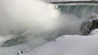 Frozen Niagara Falls leave visitors stunned by majestic views - Video