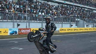 Jaw-Dropping Moment When A Young Stunt Rider Performs 326 Wheelies On 'Non-Gear' Scooter