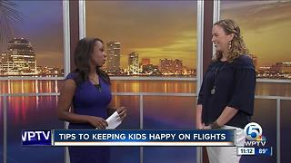 Tips to keep kids happy on flights - Video