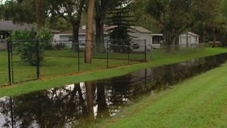 St. Lucie County residents concerned about flooding - Video