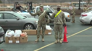 Northeast Ohioans turn to food banks for help during pandemic
