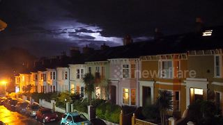 Lightning flashes in skies above Brighton - Video