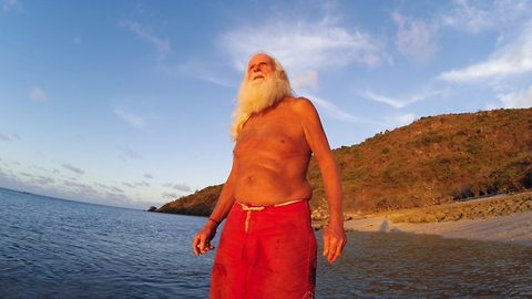 Ex-millionaire turned real life Robinson Crusoe celebrates 20 years as desert Island castaway