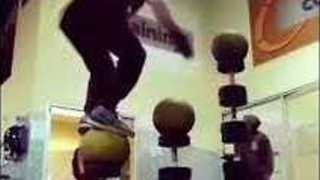 Fitness Nut Shows Off His Impressive Balancing Skills - Video