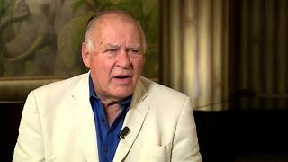 Jerry Kramer maintains he wasn't offsides during the Ice Bowl - Video