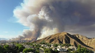 Timelapse Shows Smoke From Charlie Fire Over Santa Clarita - Video