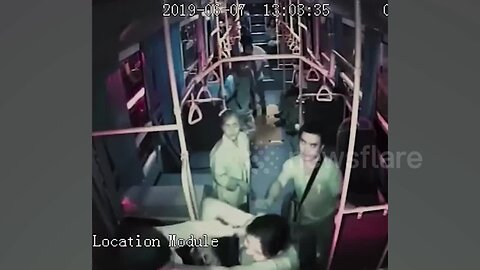 Thai bus driver attacks female passenger who complained about him using phone at the wheel