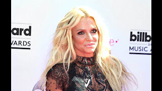 Britney Spears thinks her father ignores her wishes