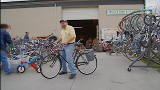 Restaurant And Bike Kitchen Keeps Community Fed And Mobile