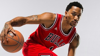 Derrick Rose Breaking Andre Miller's Ankle - Video