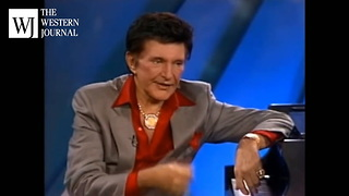 6 Weeks Before 1987 Death, Liberace Tells What Trump Did During Shopping Trip - Video