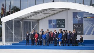 NATO Invites Macedonia To Talk About Membership - Video