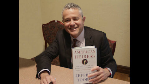 """Jeffrey Toobin Of CNN And The New Yorker Suspended After """"Accidentally"""" Masturbating On Zo"""