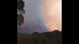 'Those flames don't look good': Resident films River Fire before mandatory evacuation