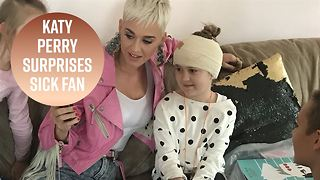 Katy Perry gives private concert to sick fan