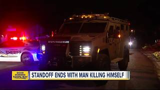 Armed man dead after 8-hour SWAT standoff in Tampa - Video