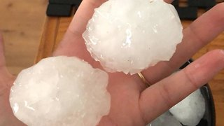Large Hailstones Hit Kundabung, New South Wales - Video