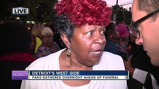 Fans forced to move after waiting for hours ahead of Aretha Franklin funeral