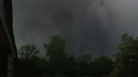 Terrifying footage of man's experience during F5 tornado outside his home