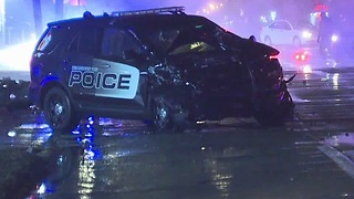 Police cruiser involved in serious accident - Video