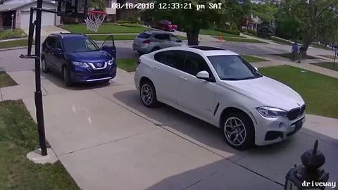VIDEO: Dearborn Heights mom leaves car door open, suspects steal vehicle in seconds