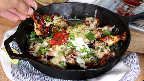 Mouthwatering chicken wing nachos