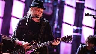Neil Young Bashes MacBook Pro Audio Quality