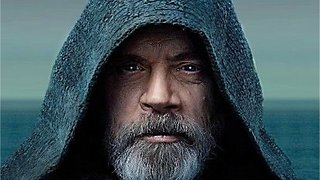 Moving 'Star Wars: The Last Jedi' Moment Was Unscripted?