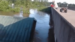 House Crashes Into Current River Bridge in Reyno, Arkansas - Video