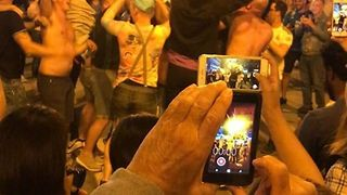 Real Madrid Fans Celebrate Champions League Final Victory in Madrid's Puerta del Sol - Video