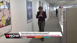 People with smartphones nearby perform worse on cognitive tests - Video