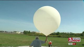 Omaha tracking Irma with balloons - Video