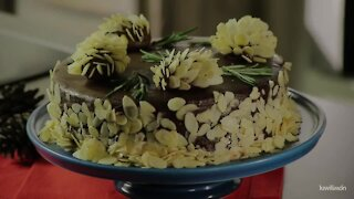 Chocolate Cake with Pineapples of Almonds