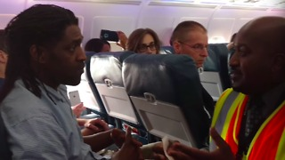 Man Ejected From Delta Flight for Using Restroom Before Takeoff - Video