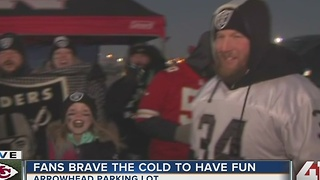 Chiefs, Raiders fans brave the cold - Video
