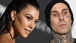 Kourtney Kardashian and Travis Barker's Heat Up As She Publicly FLIRTS With Him!
