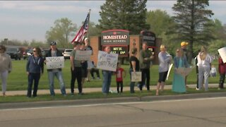Over 75 Mequon-Thiensville school parents protested to loosen school mask mandates for students