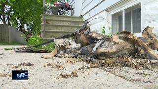 Red Cross helping two people after fire in Sheboygan - Video