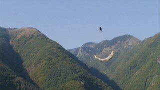 Daredevil Performs Dizzying Stunt As He Does Seven Consecutive Barrel Rolls Through The Sky
