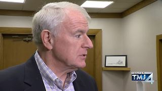 Mayor Barrett reacts to Council's resolution regarding police and fire chief. - Video