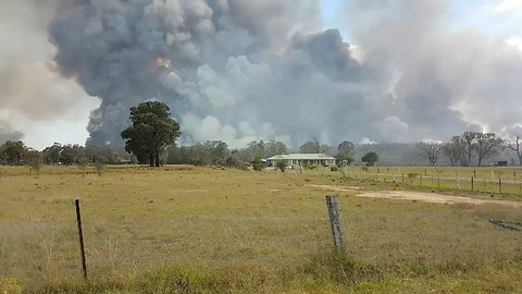 Thick Smoke Rises From Hunter Valley Bushfire
