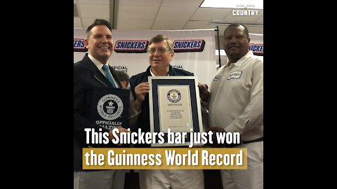 This Snickers Bar Just Won the Guiness World Record